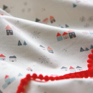 kindergordijn een dorpje, babykamer, witte gordijnen, , gordijnen online, gordijn op maat, gordijn kopen, gordijn ontwerpen