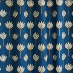 gordijn kinderkamer, gordijn op maat, gordijn meisjeskamer, kinderkamer, babykamer, gordijnen online, gordijn kopen, kobalt, blauw, donkerblauw, bloem, bloemen, retro, vintage