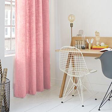 Okika · linnen-roze-gordijnstof-gordijnen-okika-AD1667-sfeer