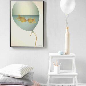 poster Love in a Bubble, vissevasse, pastel, pastelkleuren, vis, visjes, verlieft, ballon, illustratie, poster, tekening, kinderkamer, posters, meisjeskamer, prent, prenten, aan de muur